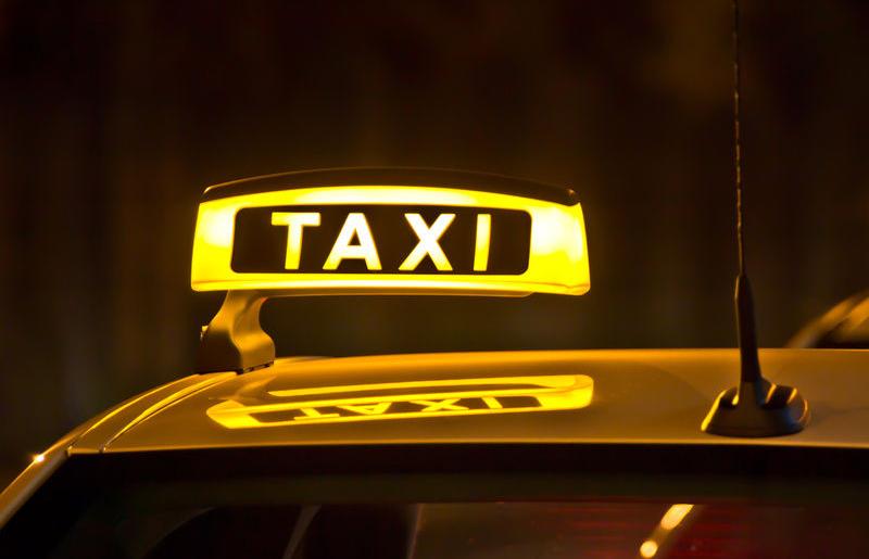 Что лучше, такси или аренда авто